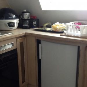 Rest of kitchen sans dishwaster!