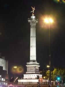 Place de la Bastaille at night