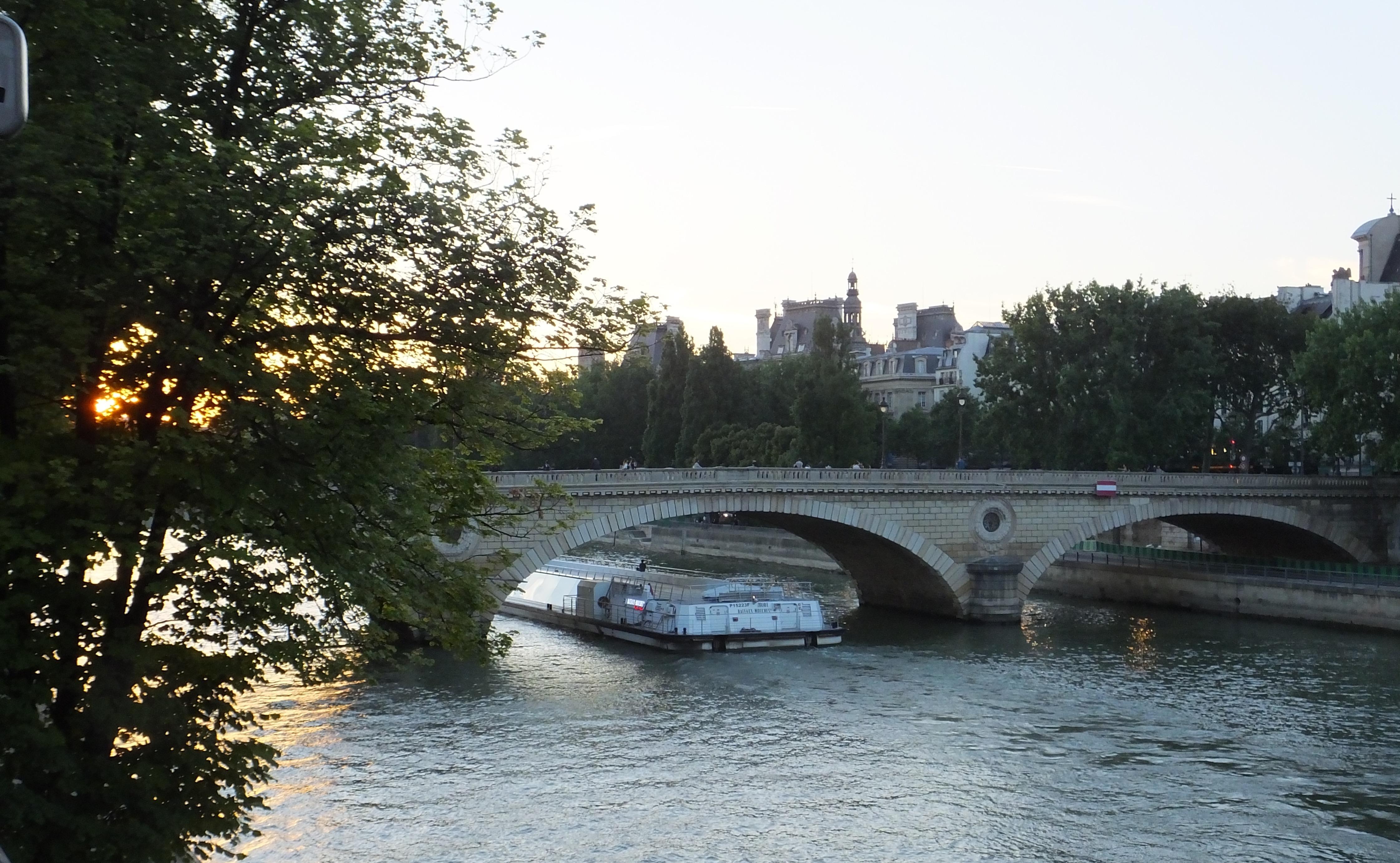 Beautiful light of Paris