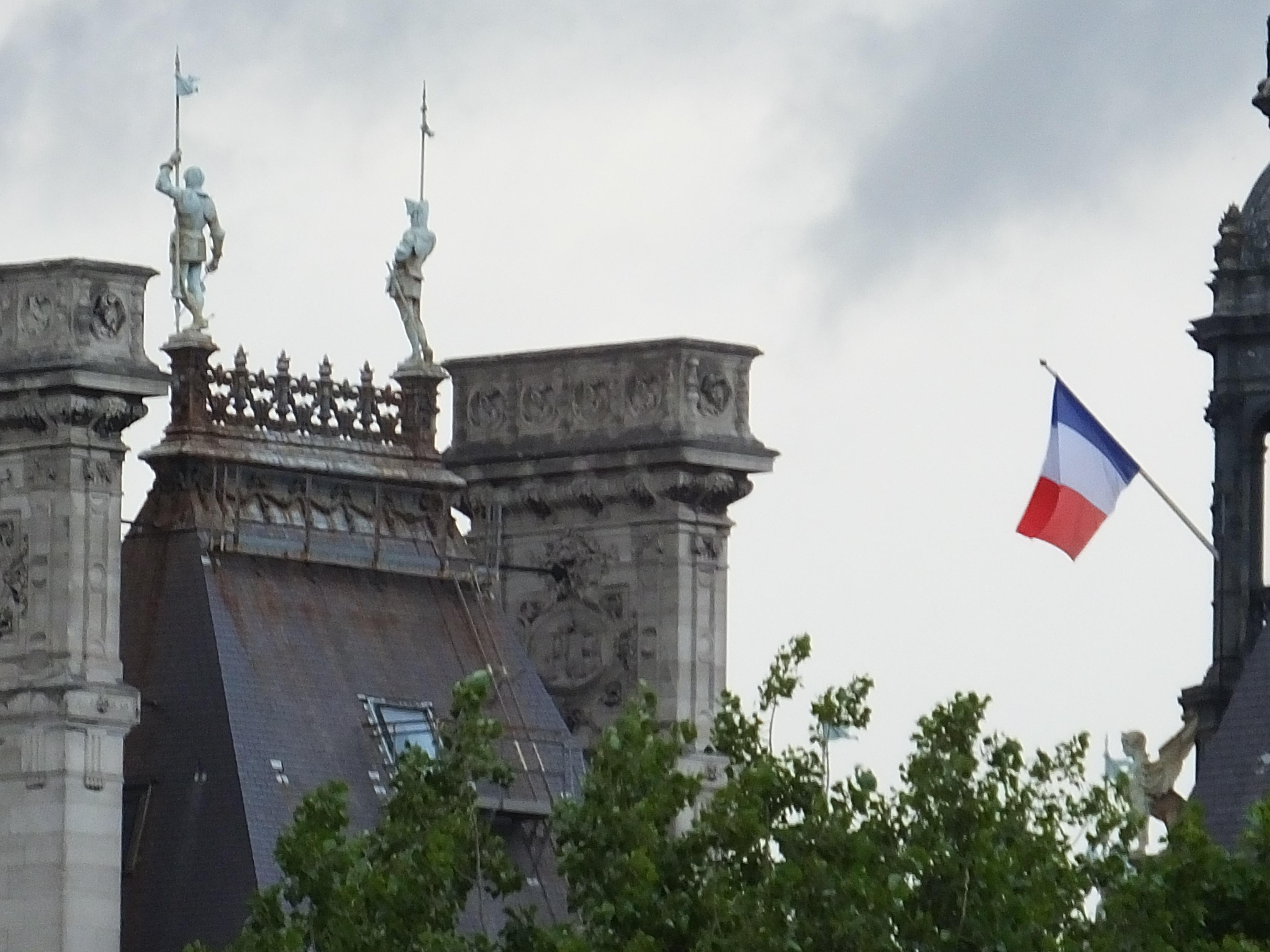 Close-up of L'Hotel de Ville, the Paris City Hall